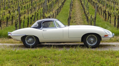 1961 Jaguar E-Type 3.8-Litre Series 1 Flat Floor Roadster